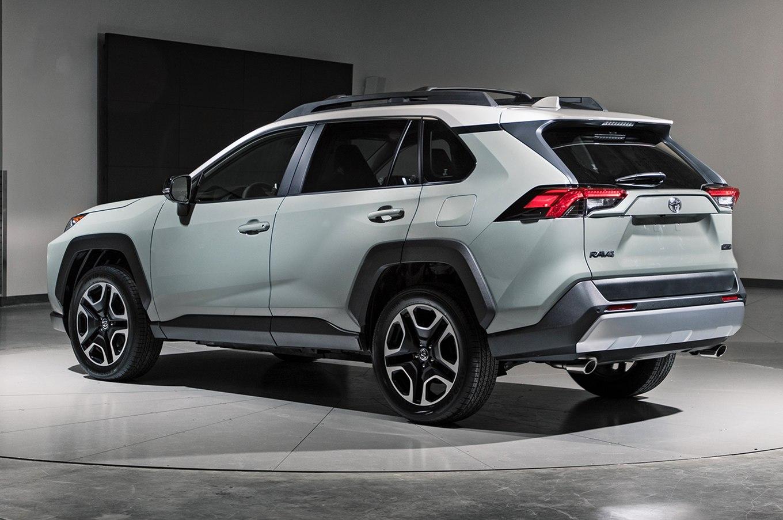 2019-Toyota-RAV4-rear-three-quarter-01-1