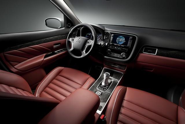 Салон Mitsubishi Outlander 2016