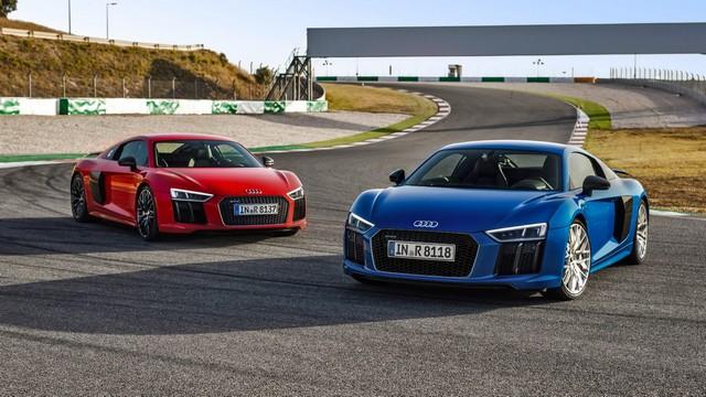 две Audi r8