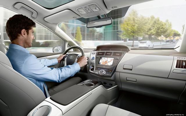 Салон Prius (фото)