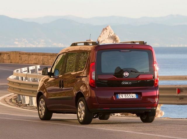 Fiat Doblo сзади
