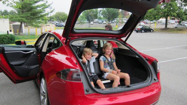 Багажник Model S