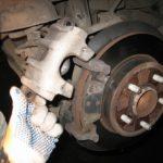 Инструкция: замена задних тормозных колодок на Фокусе 2