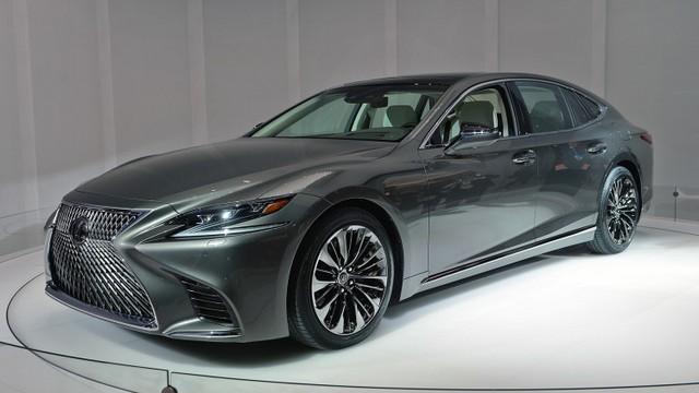 Экстерьер Lexus LS