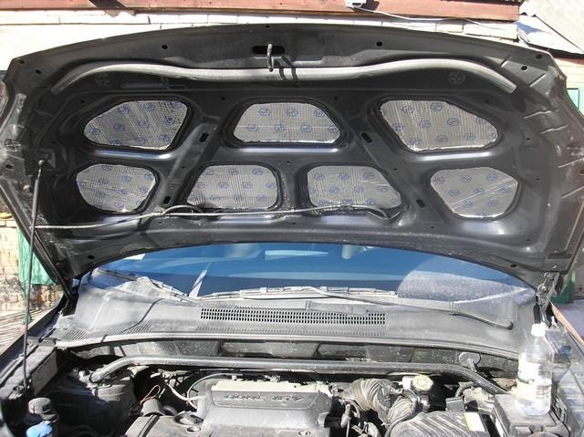 Шумка моторного щита со стороны двигателя