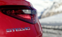 Alfa-Romeo-Stelvio-2018-18