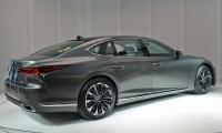 Lexus-LS-2018-2