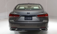 Lexus-LS-2018-3