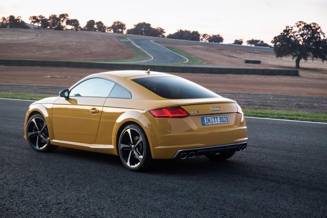 Желтая TT сзади