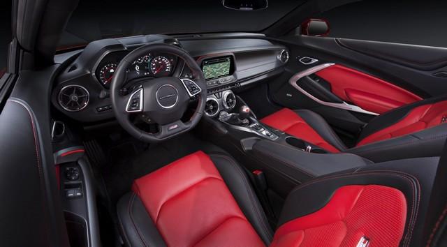 Салон Chevrolet Камаро 6