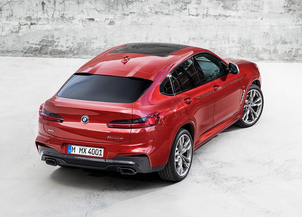 На фото BMW X4 G02