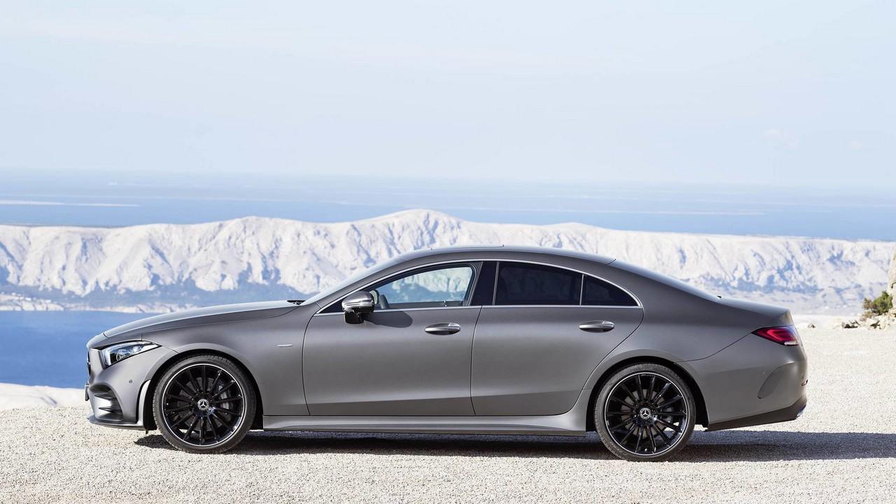 Mercedes-Benz CLS сбоку